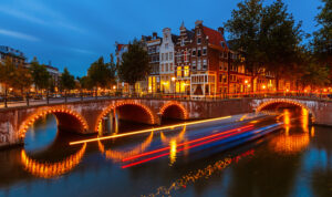 Puente de Diciembre, Ámsterdam